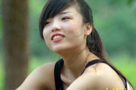 温柔地将声线围绕在你身旁,夏天听起来不错哈:资生堂广告歌曲:moumoon – Sunshine Girl