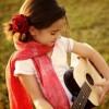有一种人唱起歌来会令时间空间忽然停格:Pretty Dress – Rosie Thomas