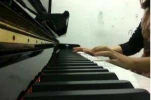 不如在还在一起的晚上,听夜的钢琴曲:《夜的钢琴曲二十二》