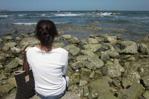 吉他声止,管乐起,安静,舒适:《Of Sand And Sea》