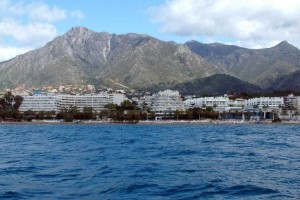 你听海浪的声音,它汹涌澎湃它温柔无比:《Siesta Del Sol (Laid Back Summer Cut) >