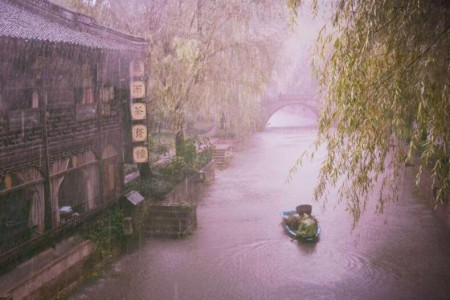 这是一个属于自己的烟雨朦胧的世界:《misty rain(烟雨)》