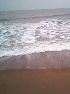 蓝色天际:回老家看海。。所想 倾听大海的声音